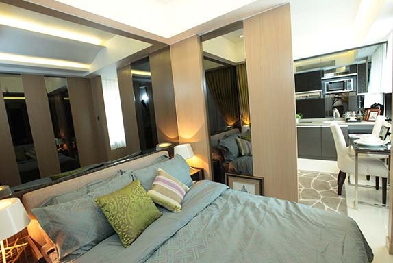 Bedroom in Manila Bay condos