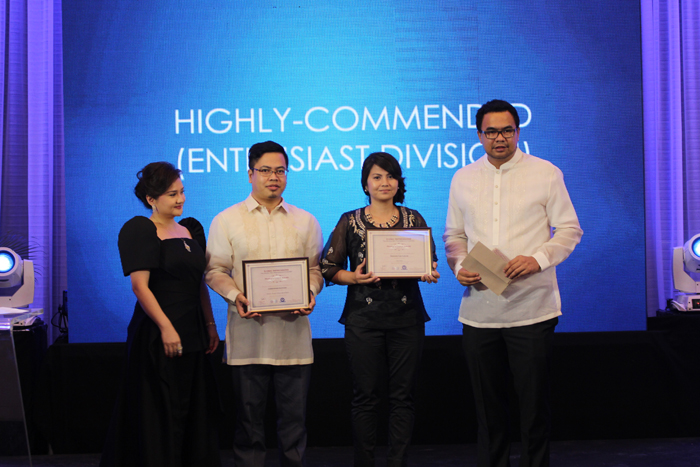 L-R: Elizabeth Ventura (ALHI President), Iconic Impressions enthusiast division grand winner Christopher Santiago, professional division grand winner Maricris Fai Carlos and Iconic Impressions judge